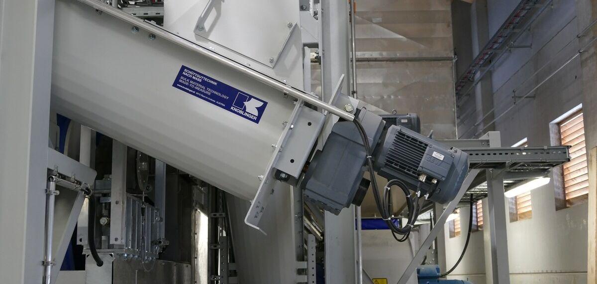 Eine Schüttgutanlage von Knoblinger, die mit Checkmk überwacht werden kann